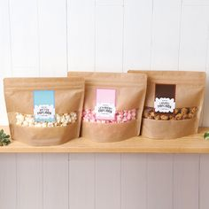 Straight from the orchard & expertly paired with gourmet treats, our baskets are ripe for delivery. Sugar Packaging, Popcorn Packaging, Biscuits Packaging, Spices Packaging, Pouch Packaging, Fruit Packaging, Food Packaging Design, Packaging Design Inspiration, Brand Packaging