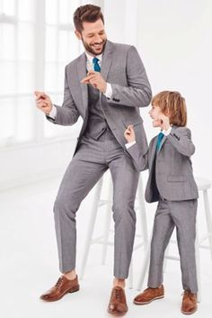 Newest Gray Father and Son Matching Suits 3 Pieces Best Man Suit Groomsman Attire Slim Fit Groom Tuxedos Men Wedding Prom Suits Tuxedo Suit, Tuxedo For Men, Formal Tuxedo, Prom Blazers, Light Grey Suits, Black Suits, Groomsmen Suits, Groomsman Attire, Groom Attire