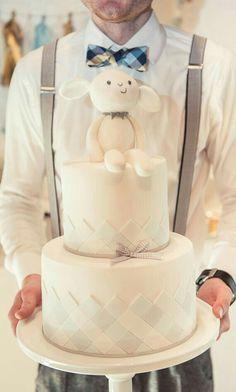 Too cute!! We love this... Gender reveal/babyshower taart inspiratie www.SweetLittleThings.nl