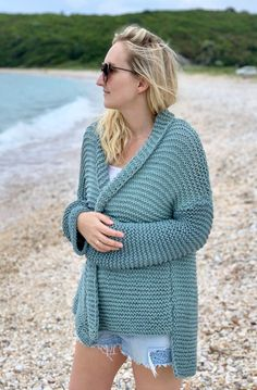Cardigan knitting pattern, cardigan pattern, cardigan knitting pattern women's, oversized cardigan pattern, easy knit cardigan – The Best Ideas Beginner Knitting Patterns, Knitting For Beginners, Free Knitting, Easy Sweater Knitting Patterns, Vogue Knitting, Knitting Tutorials, Knitting Ideas, Knitting Needles, Knit Patterns