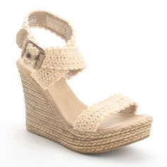 Super crochet decoracion botellas ideas Learn the fact (generic term) of how to crochet, starting at Crochet Patterns Free Women, Crochet Shoes Pattern, Crochet Hat For Women, Shoe Pattern, Crochet Slipper Boots, Crochet Sandals, Knit Shoes, Crochet Slippers, Crochet Skirt Outfit