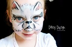 Looking for stunning face painting ideas for kids? See 20 of the most amazing and creative face painting for kids that they will surely love and be proud of Body Painting Artists, Face Painting Designs, Animal Face Paintings, Zombie Prom Queen, Art Visage, Animal Masks, Maquillage Halloween, Child Face, Cat Face