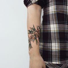 For Julia  #tattoo #tattoos #ink #inked #tattooed #tattoist #design #amazingink #tattedup #inkedup #tattooedgirl #instatattoo #instatattoos #newtattoo #art #illustration #drawing #draw #flowers #flower #nature #plants #flowerstagram #flowerporn #botanical #seabuckthorn #berries #berrytattoo #handtattoo #vladbladirons