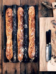 Ligegyldigt om du er til fuldkorn eller luftigt hvedebrød, kan du finde en ny favorit blandt disse uimodståelige brød og boller.