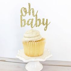 This sparkly glitter cake topper is the perfect addition to your baby shower cake! - Q U A N T I T Y - • This listing is for one cake topper - S I Z E - • Select from dropdown list • Size selected is the width of the cake topper - C O L O R - • Select from dropdown list • Glitter
