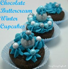 Buttercream Winter Cupcakes Featuring Sixlets Winter Mix Check out these beautiful winter themed Sixlets cupcakes-perfect for showers, and parties! Buttercream Cupcakes, Cake Icing, Chocolate Buttercream, Yummy Cupcakes, Winter Cupcakes, Christmas Cupcakes, Cupcake Recipes, Cupcake Cakes, Dessert Recipes