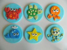 Sea Life One dozen fondant cupcake toppers door EyeCandySugar Fondant Cupcake Toppers, Cupcake Cookies, Animal Cupcakes, Cute Cupcakes, Fondant Figures, Creative Cake Decorating, Cookie Decorating, Sea Cakes, Fondant Animals