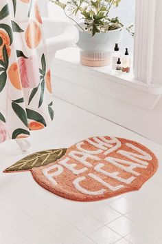 Cute and funny rug for the bathroom. I would love this in an apartment. #apartment #decor #DIYHomeDecorCollege