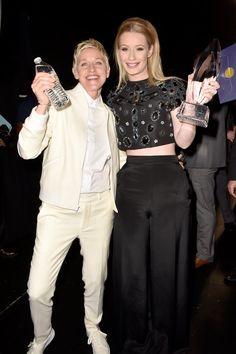 Pin for Later: Tous Les Moments des People's Choice Awards Que Vous Ne Verrez Pas à la Télé Ellen DeGeneres et Iggy Azalea
