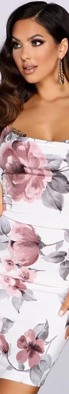 ❈Téa Tosh❈ CHRISTEN HARPER 🦋#christenharper #teatosh #windsorstore Floral Fashion, Pink Fashion, Windsor Store, Christen Harper, High End Fashion, Four Seasons, Pink Grey, Ruffle Blouse, Actresses