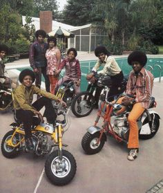 VALLEY FAMOUS: The Jacksons in Encino in 1970 #sanfernandovalley