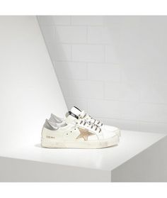 Golden Goose May Sneakers In Pelle E Stella White Silver Gold Star Womens - Golden  Goose Outlet www.getggdb.com 4ff468a04e67