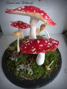Dôme en verre champignons réalisés à la main  en pâte polymère