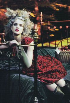 natalia vodianova photographed by mert alas and marcus piggott for vogue september 2009 Italian Phrases, Vogue Us, Natalia Vodianova, Red Riding Hood, Wonders Of The World, Cool Words, Light In The Dark, Jon Snow, Best Quotes