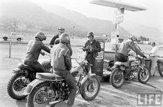 McQueen and Friends Triumph 'Desert Sled'