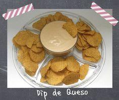 Una salsa de queso para mojar nachos que tiene la textura perfecta.