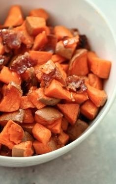 You Have Meals Poisoning More Normally Than You're Thinking That Maple Bacon Sweet Potatoes Six Sisters' Stuff These 5 Ingredient, Sweet And Savory Potatoes Will Change Your Life Eat Them For Breakfast, Lunch, Or Dinner Sweet Potato Bbq, Sweet Potato Recipes, Healthy Cooking, Healthy Eating, Healthy Recipes, Simple Recipes, Healthy Dinners, Best Side Dishes, Side Dish Recipes