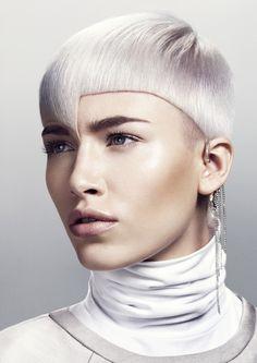 Las redes se llenan de tendencias en #peluquería para primavera verano 2015. ¡Welcome!  #Hair: Sloans London Visto en tupelu