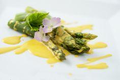Asparagi con zabaione di Grana Padano