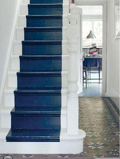comment peindre rapidement un escalier en bois comment et inspiration. Black Bedroom Furniture Sets. Home Design Ideas