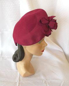 1940's Vintage Fuchsia Tilt Beret Hat Evelyn Varon New York Creation 22. $51.00, via Etsy.