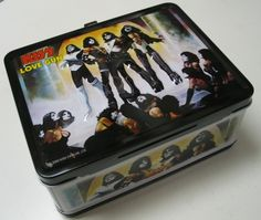 lunchbox who would not want a KISS Love Gun Lunchbox, I ask you quite seriously....?