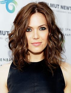 Mandy Moore's voluminous curly long bob