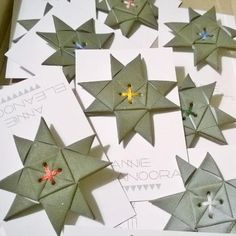 Ristitähti-heijastin #heijastin #safetyreflector Diy And Crafts, Arts And Crafts, Paper Crafts, Crafty Craft, Crafting, Twine, Origami, Christmas Crafts, Projects To Try
