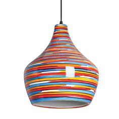 Luminária pendente em cerâmica com listras coloridas brilhantes em seu exterior e na cor branca em sua parte interna. Vem acompanhado de fio na cor preta.