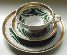 Normally I could care less about china patterns- but looooove this one. Coffee Cups, Tea Cups, China Patterns, My Tea, Tea Cup Saucer, Vintage Tea, High Tea, Afternoon Tea, Tea Time
