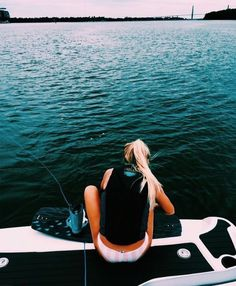 Surfing holidays is a surfing vlog with instructional surf videos, fails and big waves Wakeboard Boats For Sale, Summer Vibes, Hyperlite Wakeboard, Wakeboarding Girl, Lake Pictures, Lake Photos, Boating Pictures, Summer Goals, Summer Fun