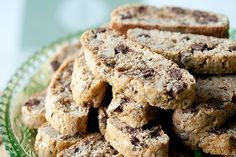 These cappuccino-scented biscotti are dotted with milk chocolate chips and chopped walnuts for a crunchy, dunkable cookie that's sure to please any coffee lover in your life. Croissants, Croissant Brioche, Biscotti Recipe, Biscotti Cookies, Almond Cookies, Chocolate Cookies, Chocolate Chips, Italian Cookies, Italian Biscuits