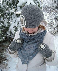 beret, mittens & Ene scarf, 2008