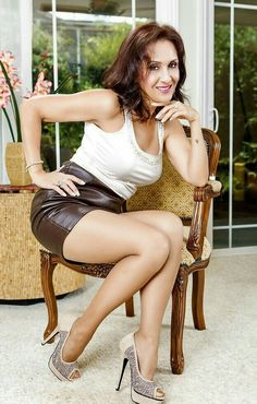 paradise ronis mature Housewife