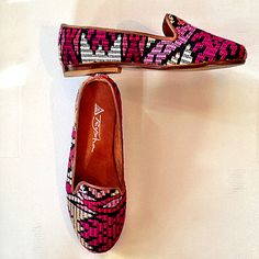 A little color love to get everyone through the rest of the week! #loaferlove #handmade #customshoes #teysha #guatemala