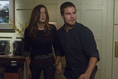 Katie Cassidy and Stephen Amell in Arrow photo - Arrow picture #29 of 77