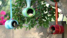 Aus alten Dosen Vogelfutterhäuschen machen