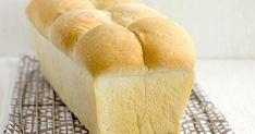 Máte rádi bílý chléb, ze kterého si můžete udělat toasty nebo sendviče? To, co se běžně prodává v obchodě, vám přijde jako nadýchaná pěna a ... Toast, Bread, Food, Brot, Essen, Baking, Meals, Breads, Buns