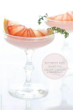 #Cocktail / Blushing Kiss Martini