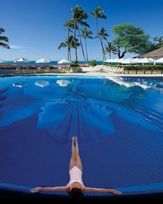 50 Best Beach Honeymoons (or vacations, I say!).  This is the Pool at Halekulani in #Waikiki, #Oahu, #Hawaii