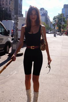 Tight Touch to See More Exotic Emily Ratajkowski ER//ER Touch here for Free Webcams/Chat Emily Ratajkowski Style, My Girl, Casual, Celebrity Style, Rompers, Street Style, Womens Fashion, Sexy, Outfits