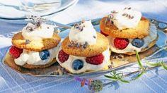 Oppskrift på lavendeldrømmer, foto: Synøve Dreyer Tin, Cheesecake, Muffin, Breakfast, Food, Morning Coffee, Pewter, Cheesecakes, Essen