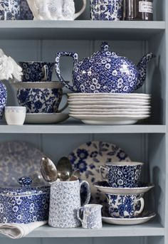 Burleigh Calico Mixed pottery on our lovely sage dresser Deep Blue Calico ~ quintessential English country crockery Blue Dishes, White Dishes, Blue And White China, Blue China, China China, China Patterns, White Decor, Vintage China, White Porcelain