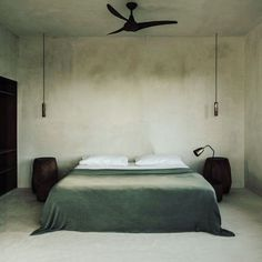 Here i could sleep. Lovely blogpost by @daniellawitte about a hotel project in the jungle of Tulum. I want to go there. I see I just post beds right now. It must be the darkness