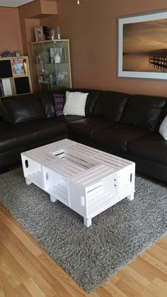 18 Furniture Ideas for Crate Coffee Table Diy Furniture Couch, Diy Pallet Furniture, Furniture Ideas, Wooden Crate Coffee Table, Crate Table, Living Room Decor, Diy Home Decor, Decoration, Space