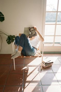 relax | sunlight and shadows | windows | books | magazines | denim | casual styles