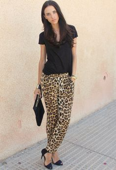 Look: leopard print pants - Rosalia - Trendtation Casual Chic Outfits, Style Casual, Cute Outfits, Animal Print Pants, Leopard Print Pants, Animal Print Outfits, Animal Prints, Look Legging, Look Fashion