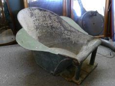 Vintage Bath / Garden Planter Feature --- £45