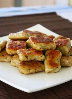Homemade Potato Garlic Gnocchi ~ It is time for a perfect snack! Making gnocchi is very easy and funny.