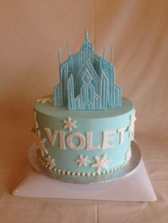 Birthday cake | kid's cake | Frozen | ice castle | snowflakes | buttercream | fondant applique